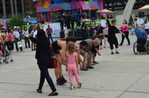 FluxDelux at PANAMANIA participants form a line, August 2015.